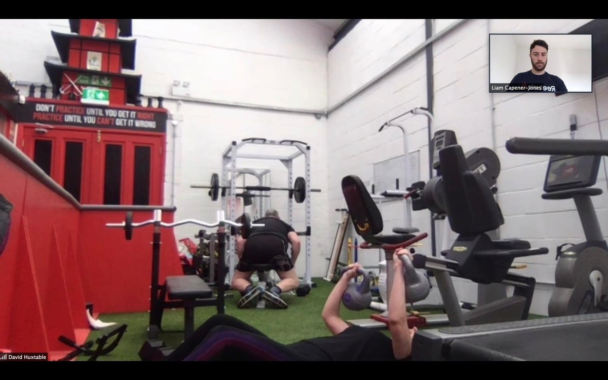 Kettle bell press at Gorseinon doing online session with Personal Trainer Swansea